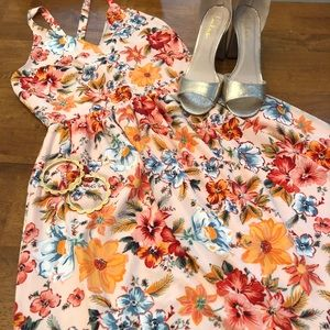 Gap floral maxi dress with cross cross straps!